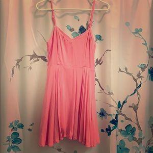 Aritzia 💕 Gorgeous pink dress